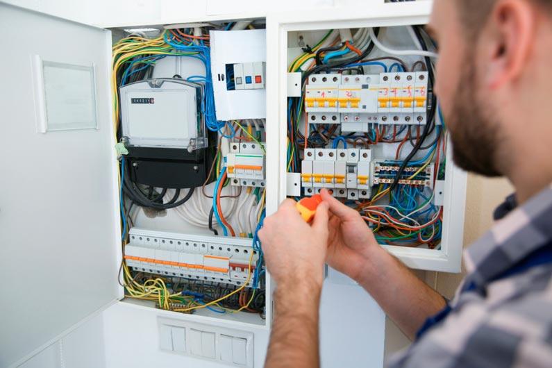 Consejos de mantenimiento de instalaciones eléctricas